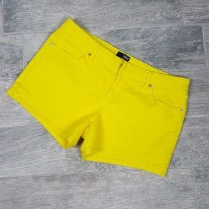 A.N.A Stretch Jean Shorts Yellow 32/14